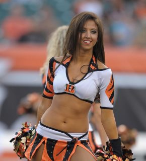 Hot cheerleaders haing sexv — pic 8